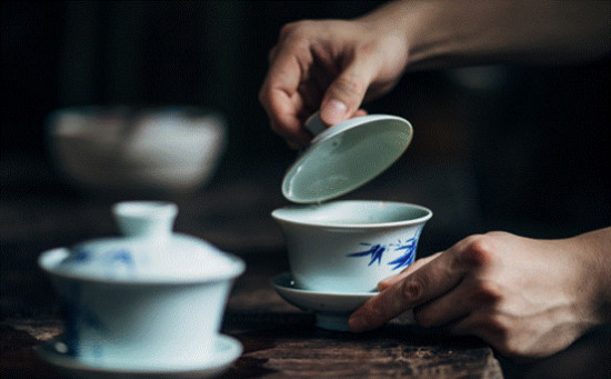 """寻茶记:夏科谈""""全球IP""""熊猫盖碗茶"""