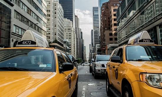 全国首辆自动驾驶出租车来了