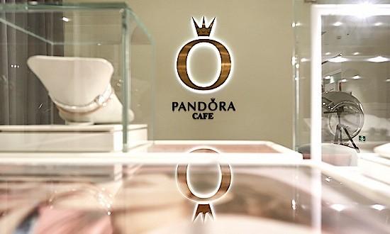 体验了全球首家Pandora Café,这里是个可以喝下午茶的搭配体验课堂