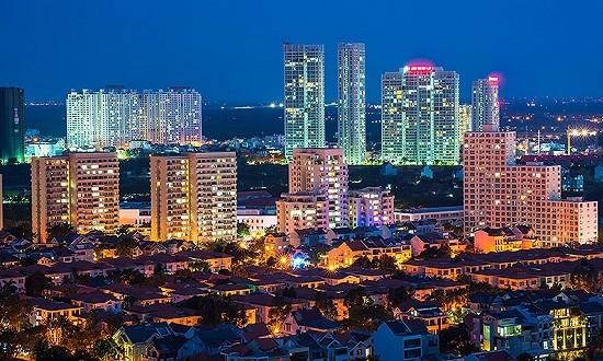 """粤港澳大湾区如何实现要素高效流动 城市间""""一小时通达"""""""